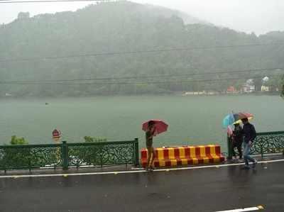 देहरादून, नैनीताल और मसूरी में हुई बारिश।