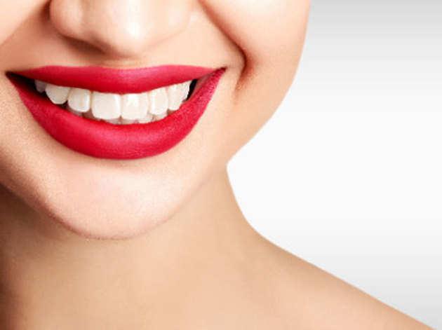 इन नैचरल तरीकों से दांतों को बनाएं मजबूत