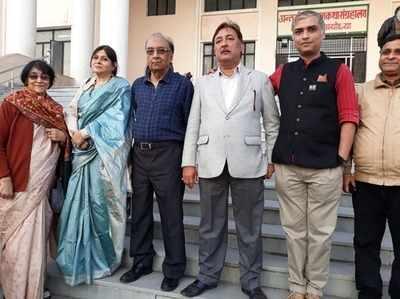 अयोध्या में नेताजी की फैमिली ने उठाई मांग