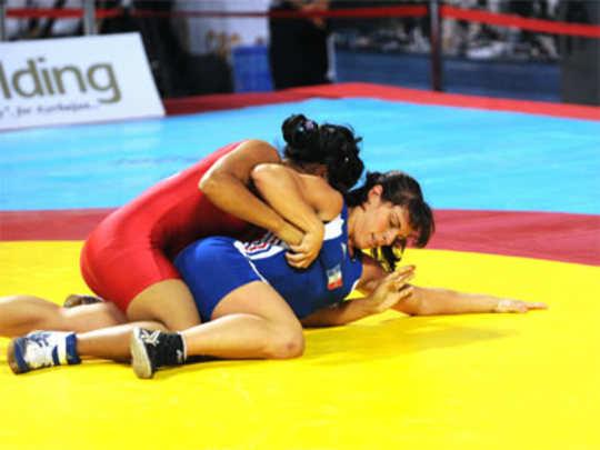 Women-wrestlers