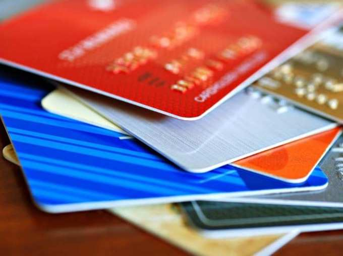 डेबिट कार्ड इस्तेमाल करते हैं तो ध्यान रखें ये बातें