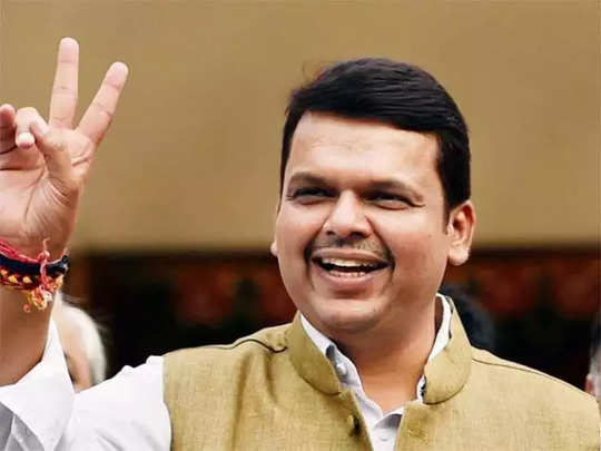 maharashtra-cm-devendra-fadnavis-lays-foundation-stone-of-nagpur-metro-project