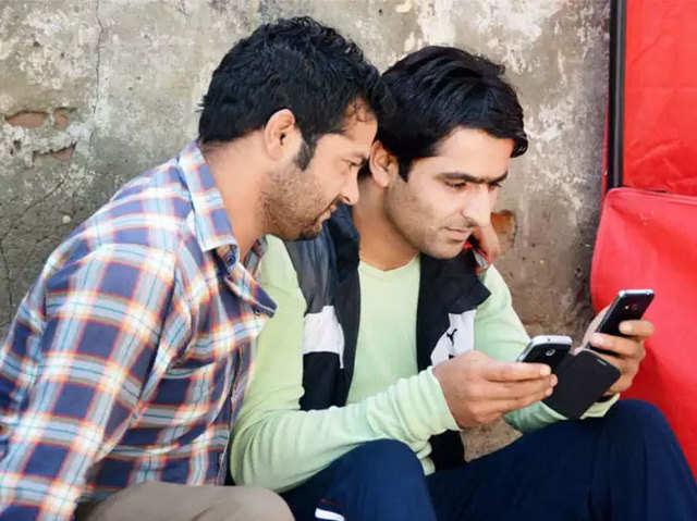 इंटरनेट की दुनिया में क्षेत्रीय भाषाओं का दबदबा: रिपोर्ट