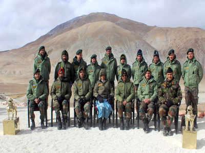 लद्दाख में सेना के जवानों के साथ रक्षामंत्री