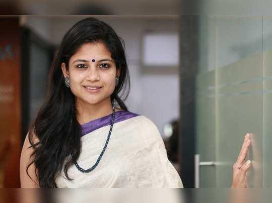Aditi Balan news look: இது நம்ம அதிதி பாலனா? பார்த்தா ஷாக் ஆயிடுவீங்க! -  Aditi Balan news stylish look in magazine cover | Samayam Tamil