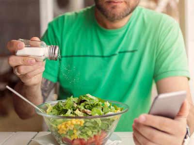 खाने में कम करें नमक, चीनी, तेल