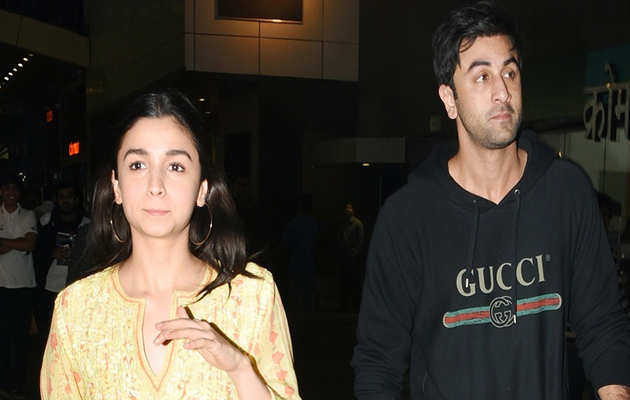 रणबीर कपूर के साथ अपने रिश्ते की ख़बरों पर आलिया भट्ट ने तोड़ी अपनी चुप्पी