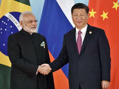 प्रधानमंत्री मोदी संग चिनफिंग (फाइल फोटो)
