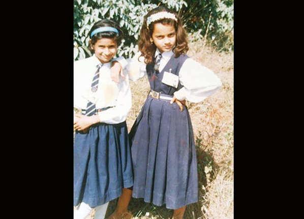  कंगना के स्कूली दिनों की यह तस्वीर