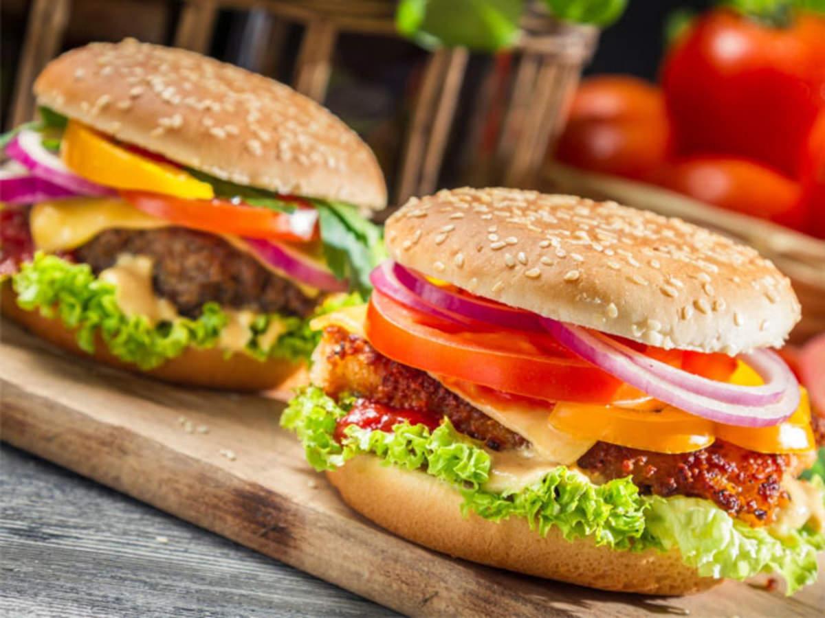 fast food: बाहर का खाना घटा सकता है आपकी ...