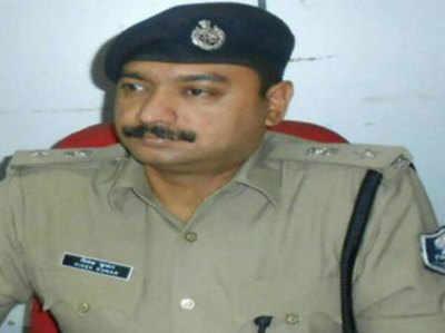 निलंबित वरिष्ठ पुलिस अधीक्षक विवेक कुमार