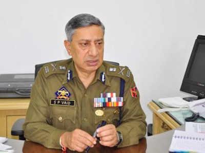 जम्मू कश्मीर के पुलिस महानिदेशक एस पी वैद