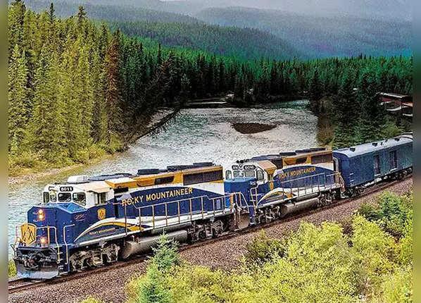 ये हैं दुनिया की सबसे लग्जरी और सुंदर राइड वाली ट्रेनें