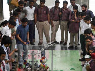 IIT दिल्ली पहुंचे 6,000 से ज्यादा स्कूली छात्र