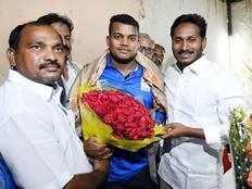 cwg 2018 gold medalist ragala venkat rahul meets ys jagan