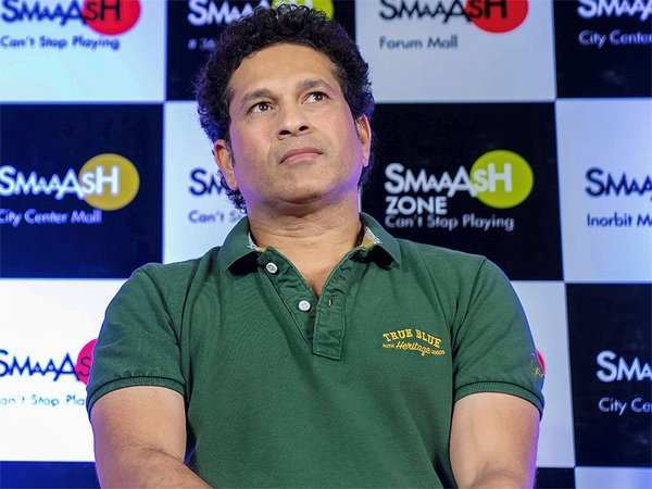 woh duniya hai meri birthday wishes pour in for sachin tendulkar
