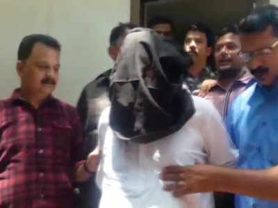 ठाणे पुलिस की हिरासत में तारिक परवीन