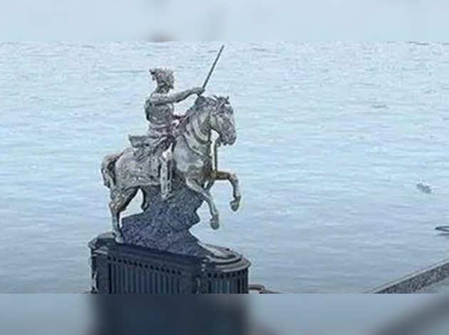 शिवाजी प्रतिमा की ऊंचाई बढ़ने से यूं बढ़ेगा दुनिया में कद