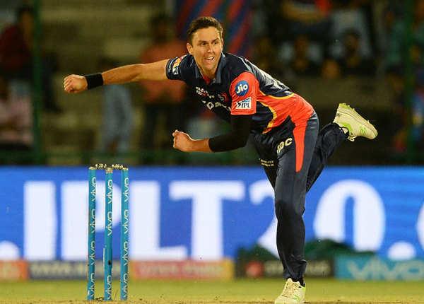 18 रन तक गिरे बैंगलोर के 2 विकेट