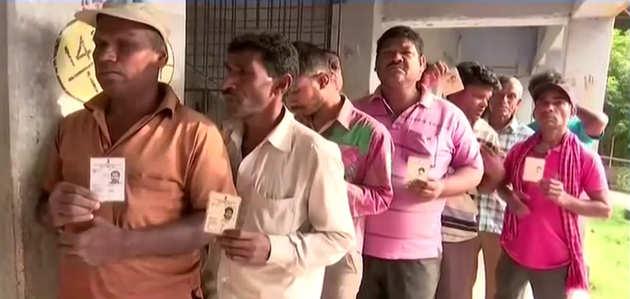 पश्चिम बंगाल में कड़ी सुरक्षा के बीच पंचायत चुनाव के लिए मतदान शुरू