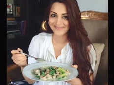 sonali bendre starts her day with fiber rich breakfast everyday