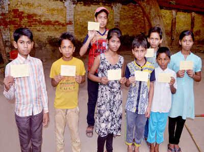 मासूम बच्चों ने पीएम को खत लिखकर मांगा आधार कार्ड