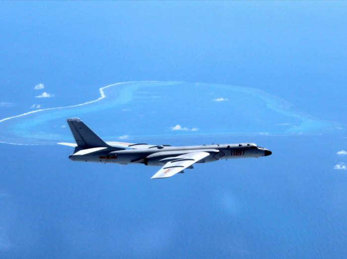 दक्षिण चीन सागर में एच6 बमवर्षक