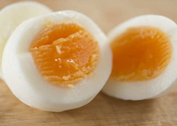 अंडा खाएं मगर सावधानी के साथ