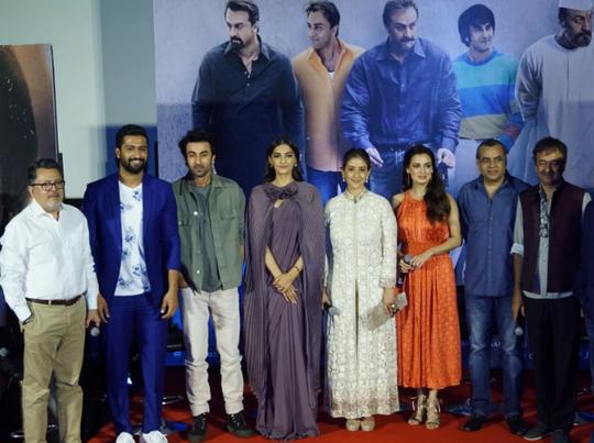 संजय दत्त को फिल्म इंडस्ट्री ने बैन कर दिया था: विधु विनोद चोपड़ा