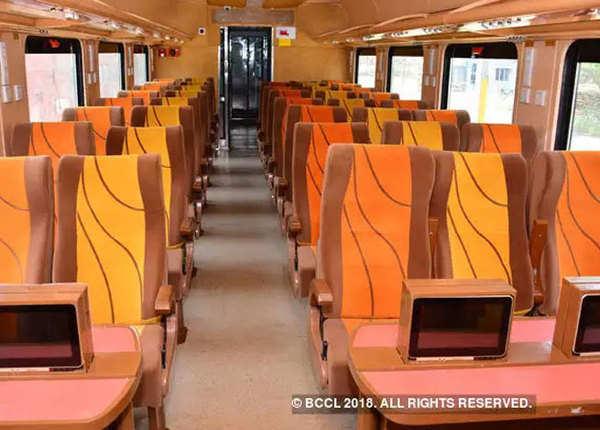 सेमी-हाइस्पीड ट्रेन का दूसरा रेक