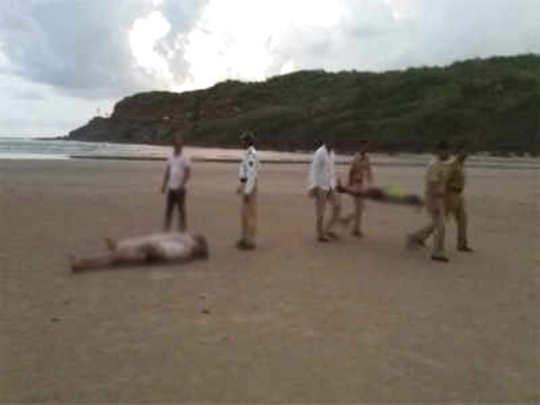 आठ जण बुडाले