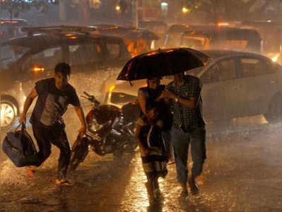 मुंबई में बारिश की दस्तक
