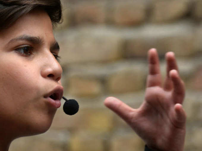 इंटरनेट सनसनी है 11 साल का यह पाकिस्तानी लड़का