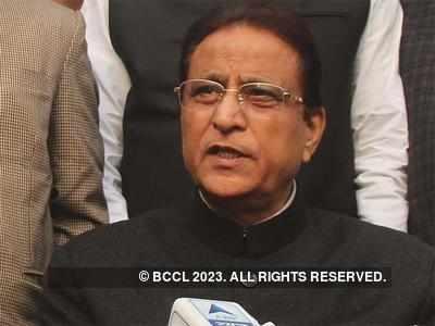 पूर्व कैबिनेट मंत्री आजम खान (फाइल फोटो)