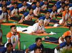 देहरादून में पीएम मोदी ने 50,000 लोगों के साथ किया योग