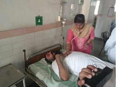 हमले में घायल विधायक अमरजीत सिंह संदोआ