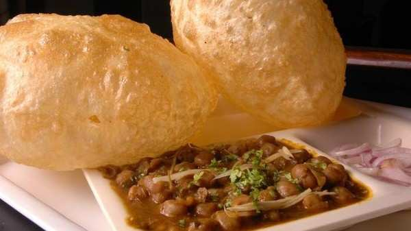 9 dishes in delhi that are definitely a challenge for every foodie