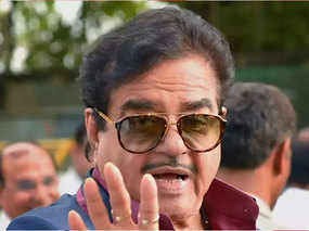 shatrughan sinha can contest from north east delhi on congress ticket