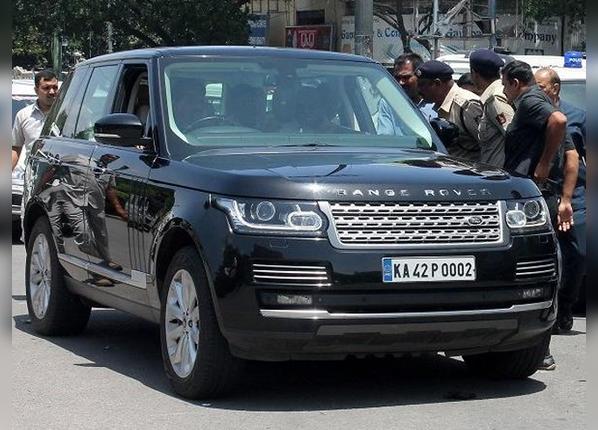 PHOTOS: Karnataka CM कुमारस्वामी की लग्जरी Range Rover, जानें खूबियां