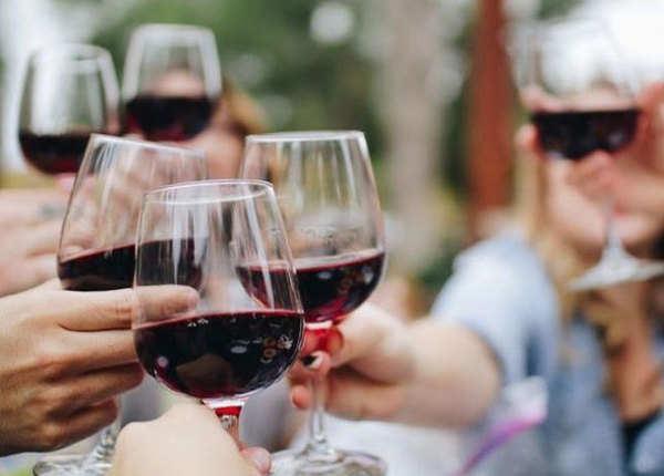 रेड वाइन के और भी हैं फायदे