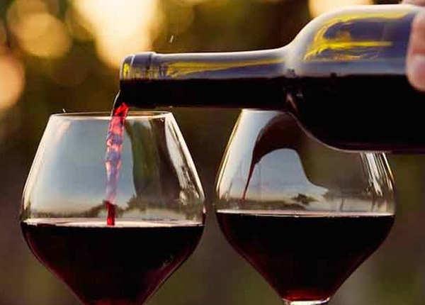 वजन घटाने में मदद कर सकती है रेड वाइन