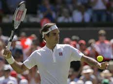 roger federer royal start in the wimbledon tennis tournament
