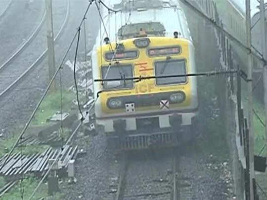 मुंबई: मध्य आणि हार्बर रेल्वे वाहतूक विस्कळीत