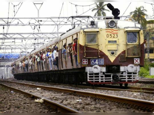 'मुंबईकरांना हवा सुरक्षित प्रवास'