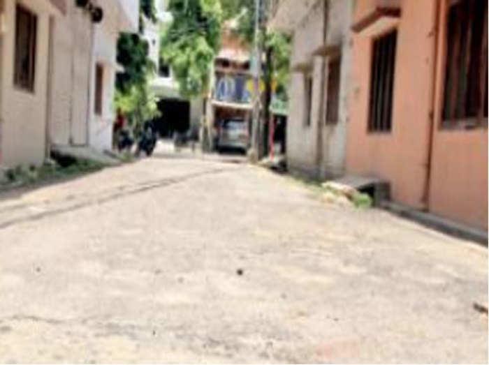 राजाजीपुर में सड़क निर्माण के नाम पर घोटाला