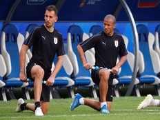 uruguay vs france cristhian stuani to replace edinson cavani