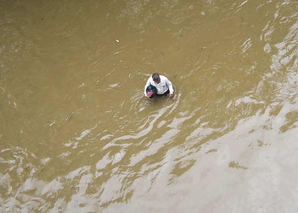 महाराष्ट्र: मुंबई के बाद नागपुर पानी-पानी, भारी बारिश से बेबस शहर