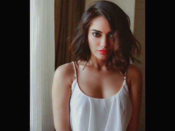 watch hot pictures of naagin actress surbhi jyoti