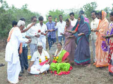 to dispel superstitions karnataka couple celebrates marriage day in grave yard