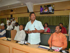 jharkhand assembly witnesses opposition din over amendments in land acquisition act
